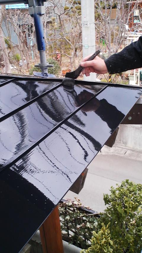 0328 玄関屋根上塗り